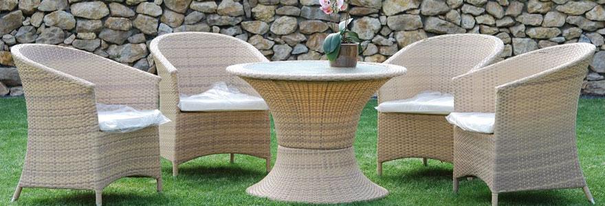 Salon de jardin design et résistant